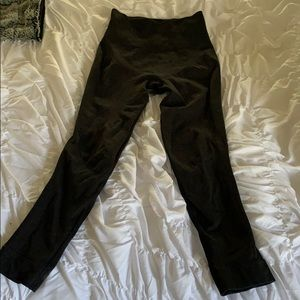 Lululemon compression capris